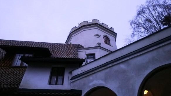 Terho Tonttu halusi kiivetä Akselin mietiskelytorniin.