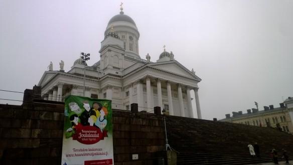 Italialainen maisema hehkui Tuomiokirkon kryptan seiminäyttelyssä.